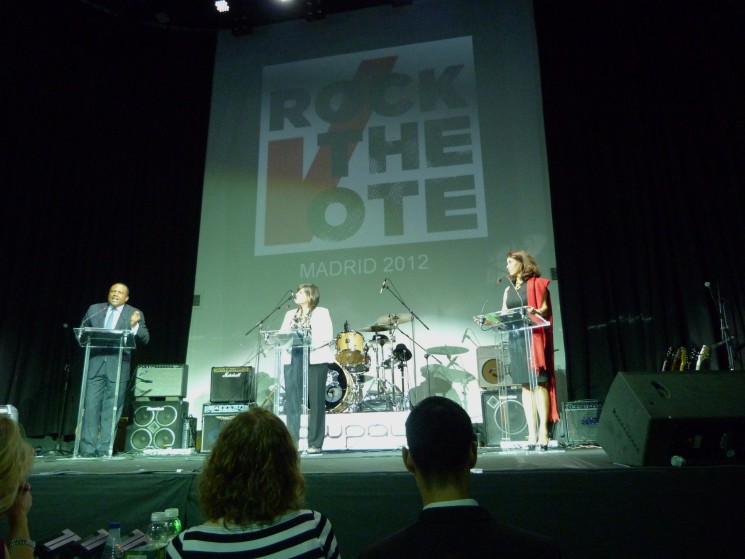 THE U.S. EMBASSY, IN COLLABORATION WITH THE AMERICAN CLUB OF MADRID, ROCKS THE VOTE