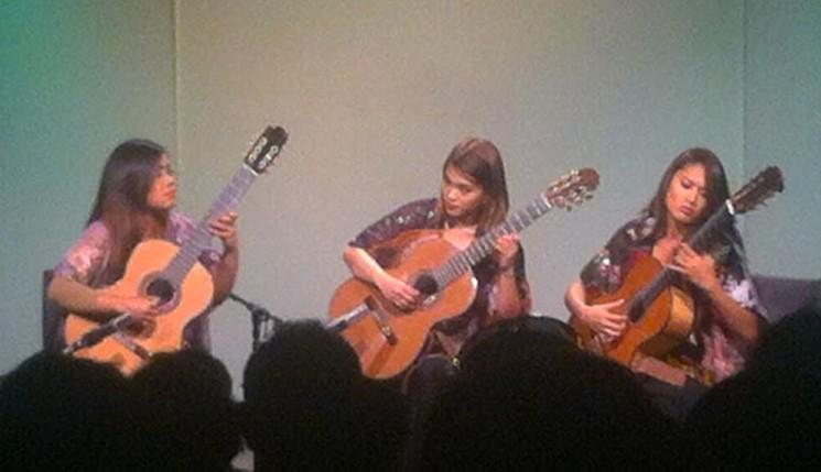 TRIPLE FRET GETS STANDING OVATION FROM CAPTIVE AUDIENCE AT CASA AMERICA