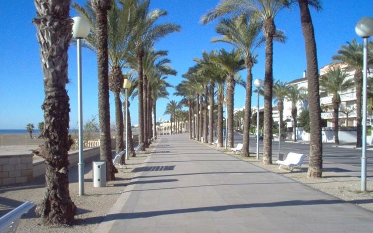ELDA TRAVELS Series: The Catalan Med