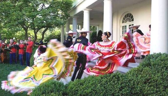 STATESIDE STORIES: Cinco de Mayo, Raul Castro, and the Pope