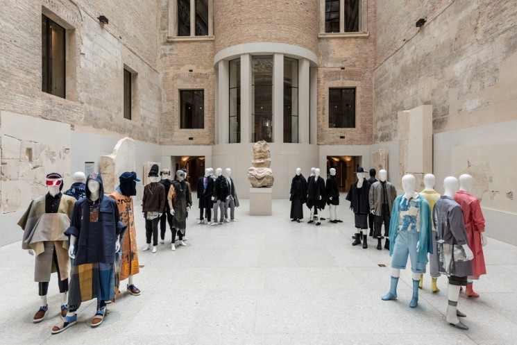 EUROPE: International Fashion Award Heralds New Dawn of Design