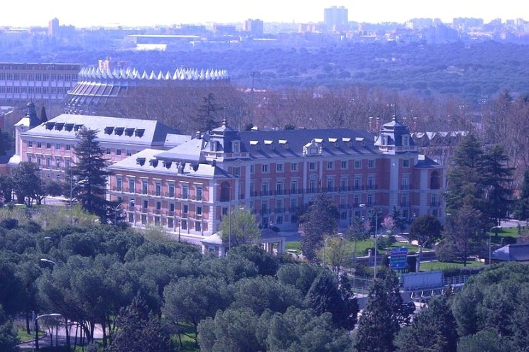 THE FUTURE POLITICAL PANORAMA IN SPAIN VIEWED FROM THE RECENT MUNICIPAL ELECTIONS