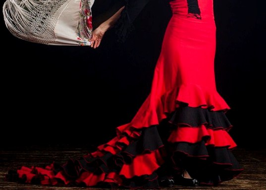 AT AMOR DE DIOS, IT'S THE LOVE OF DANCE
