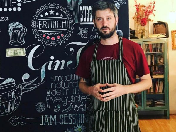 YOU'RE IN MADRID & WANT TRUSTY AMERICAN MENU WITH A TWIST? CHECK IT OUT WITH RYAN DAY!