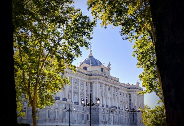 MADRILEÑOS AND THEIR SUNNY AUTUMN: AREN'T THEY BLESSED!
