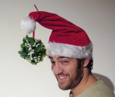 STATESIDE STORIES: The Legend of Mistletoe, Christmas Kisses!