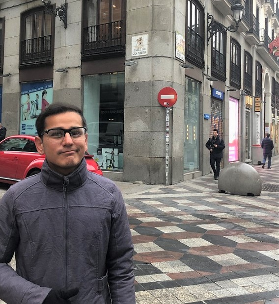 LIFE IN TRANSITION: From Showbiz to Churro Cards on Calle Arenal