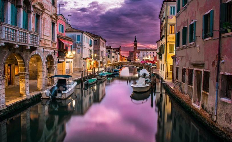 """EUROPE'S """"HEARTFELT APOLOGY"""" TO ITALY"""