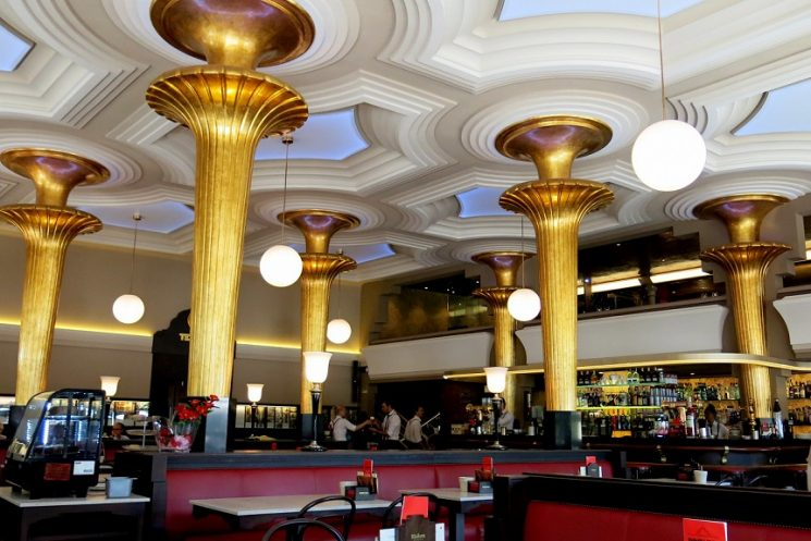THE CAFÉ GIJÓN, THE SPIRIT OF MADRID SINCE 1888
