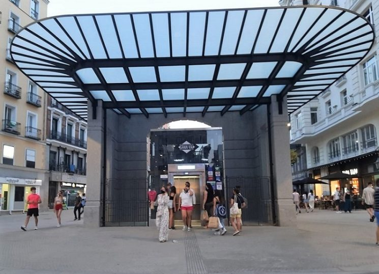 THE METRO GRAN VIA MAKE-OVER: An Engineering Feat and a Thing of Beauty